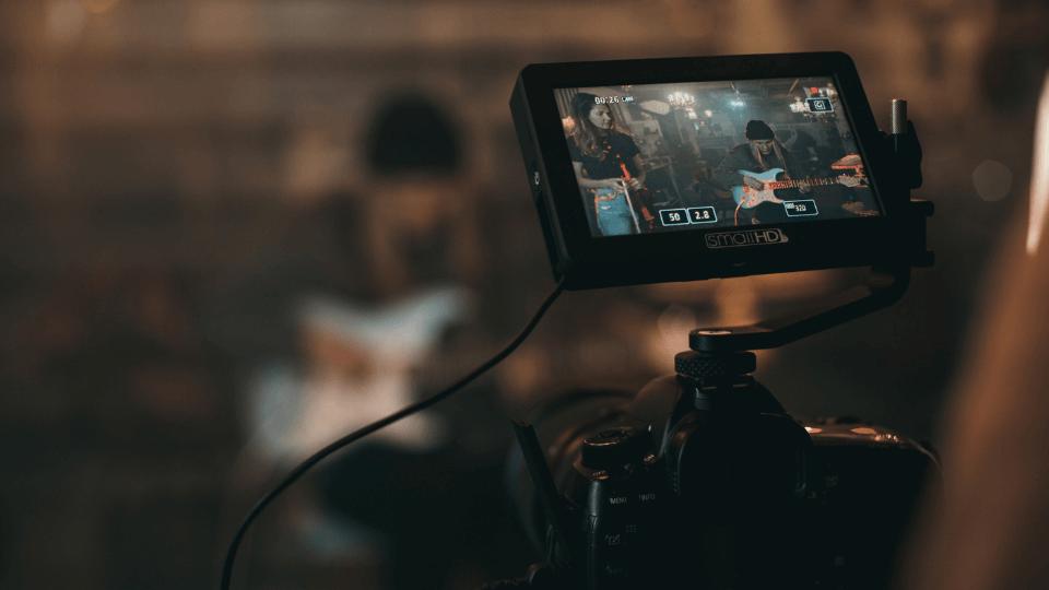 柔軟な動画制作体制と相場以下の低価格を実現